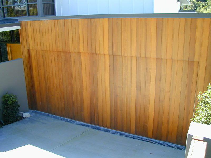 Why Choose Reclaimed Wooden Doors